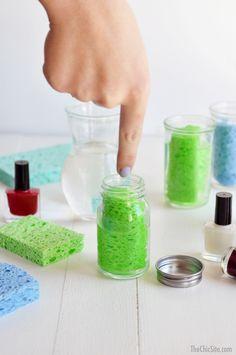 DIY Nail Polish Remover Station--the easy way to remove nail polish.