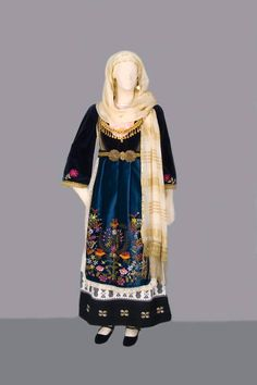 Gypsy Costume, Folk Costume, Greek Culture, Folk Dance, Historical Clothing, Dance Costumes, Traditional Dresses, Victorian, Inspiration