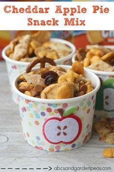 Cheddar Apple Pie Snack Mix