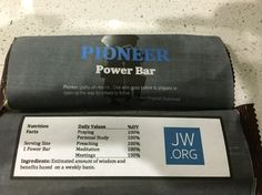 Personalize wrappers for any snack idea. Pioneer School Gifts, Pioneer Gifts, Jw Gifts, Craft Gifts, Party Gifts, Jw Pioneer, Power Bars, Jehovah's Witnesses, Homemade Gifts
