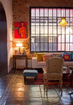 Via La Maison Boheme and Casa Chaucha Casa Chaucha. Location: Santa Fe Province of Argentina. Eclectic Living Room, Living Spaces, Living Rooms, Loft Design, House Design, Sweet Home, Deco Boheme, Bohemian House, Bohemian Living