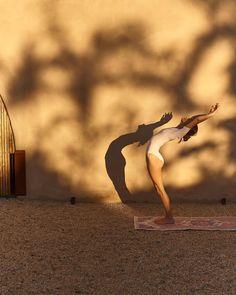 Yin Yoga, Videos Yoga, Home Yoga Practice, Yoga Posen, Yoga Pictures, Yoga Motivation, Types Of Yoga, Yoga Photography, Workout Aesthetic