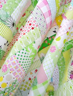 Pink & Green quilt colours - love!  Pink Lemonade - A Quilt in Progress | Red Pepper Quilts 2015