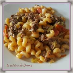 A great dish made in Cookeo, easy to prepare and that will appeal to pasta lovers. For 4 pers / 11 pp or 10 sp per pers 500 gr ground beef mg 1 white leek 2 tomatoes 250 gr raw pasta 260 ml water 1 stock pot of broth … Source by laetitiapolonia Healthy Meals To Cook, Healthy Recipes, Healthy Food, One Pot Pasta, Cooking Chef, Ground Beef, Macaroni And Cheese, Clean Eating, Food And Drink