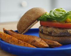 From lean beef to veggie options, these burgers pack a nutritious punch. The Healthy Maven, Healthy Eating, Healthy Lunches, Healthy Food, Mushroom Veggie Burger, Veggie Burgers, Burger Food, Sweet Potato Nutrition, Chickpea Burger