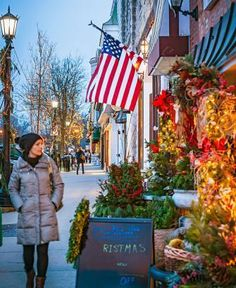 West of Chicago, four towns along the Burlington Northern Santa Fe train line ring with holiday merriment. Details: http://www.midwestliving.com/travel/illinois/holiday-day-trip-west-of-chicago/