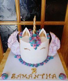 Winged Unicorn cake - Cake by Enza - Sweet-E