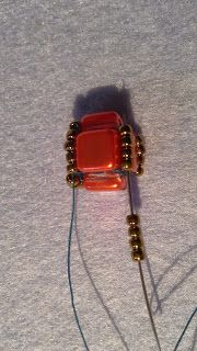 Tila cube earrings - tutorial from csillagyongyszemei.blogspot