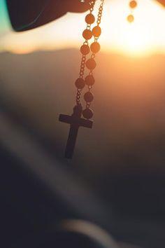 Engaging Cross Photos Pexels · Free Stock Photos - Silhouette Photography of Hanging Rosary - Arts And Crafts For Teens, Art And Craft Videos, Easy Arts And Crafts, Image Jesus, Catholic Wallpaper, Cross Wallpaper, Screen Wallpaper, Wallpaper Quotes, Who Is Jesus