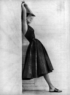 Harper's Bazaar January 1957 - Photo by John Engstead