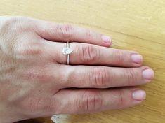 4dcbd38e7ca97 1 Carat Pear Shaped Engagement Ring