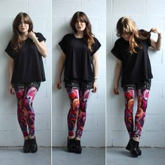 loving the abstract pattern on these leggings