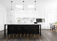 Black & White Kitchen by Biasol