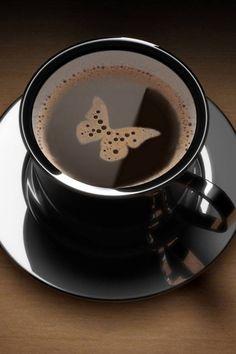 Incredible Pieces of Coffee Latte art Black coffee w a butterfly!Black coffee w a butterfly! Café Latte, Coffee Latte Art, I Love Coffee, Black Coffee, Coffee Shop, Coffee Lovers, Cappuccino Art, Brown Coffee, Good Morning Coffee