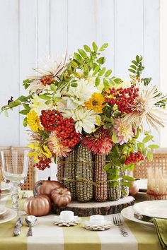 Thanksgiving party decorations table settings beautiful 31 easy thanksgiving centerpieces for your holiday table diy Diy Thanksgiving Centerpieces, Fall Table Centerpieces, Thanksgiving Diy, Wedding Reception Centerpieces, Holiday Tables, Decoration Table, Centerpiece Ideas, Christmas Tables, Wedding Receptions