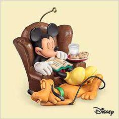 "Hallmark Keepsake Ornament Disney ""Dreaming of Christmas"" Mickey & Pluto (2006)"