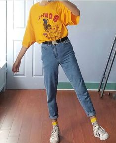 Vintage Distressed Boyfriend Jeans/Hipster Jeans/All Sizes/Grunge Jeans/boho/vintage jeans/womens jeans one of a kind jeans myqueenswish Retro Outfits, Casual Outfits, Cute Outfits, Fashion Outfits, Fashion Styles, Summer Outfits, Fashion Clothes, Latest Fashion, Indie Outfits