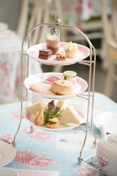 I can think of nothing more Elegant then a English Afternoon Tea spread