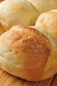 Bread Rolls to Die For Recipe - French Bread Rolls ~ Very easy to make and so tasty! even for someone who is a bread novice.French Bread Rolls ~ Very easy to make and so tasty! even for someone who is a bread novice. Bread Machine Recipes, Easy Bread Recipes, Cooking Recipes, Cooking Time, Bread Flour Recipes, Cooking Classes, Dinner Rolls Bread Machine, Thai Cooking, Cooking Pasta