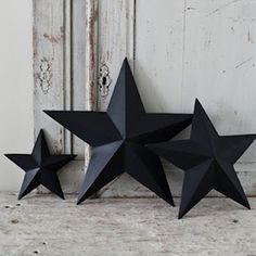 the kids and I did this craft today and I am grumpy that I ever paid money for a star like this because they are so stickin easy to make!!! - Click image to find more home decor Pinterest pins