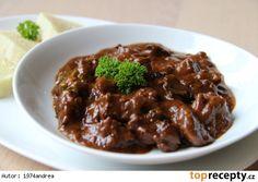 Jelení guláš s houbami Beef, Food, Red Peppers, Meat, Essen, Meals, Yemek, Eten, Steak