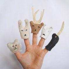 可愛い・・・とは言い切れないかんじの指人形ですっ。:Arctic Animal Finger Puppets