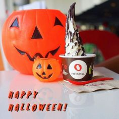 Have a spooky Halloween from #RedMango! Any plans for tonight?🎃 #TrickorTreatYourself #TrickorTreatYourselfWell