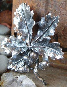 Vintage Oak Leaf Acorn Silver Brooch