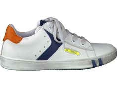 Koop uw favoriete paar schoenen type VETERS van  bij Schoenen Verduyn. Eenvoudig online kopen, kwaliteitsgarantie en snelle levering.