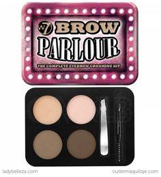 El kit de cejas Brow Parlour de W7 contiene todo lo necesario para dar forma a tus cejas, maquillarlas, peinarlas y fijarlas, consiguiendo una mirada definida.