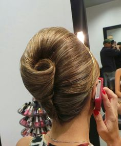 Updo Hairstyles For Medium Hair Hair Up Styles, Medium Hair Styles, Natural Hair Styles, French Roll Hairstyle, French Twist Updo, Vintage Ponytail, Vintage Updo, Easy Updo Hairstyles, Retro Hairstyles