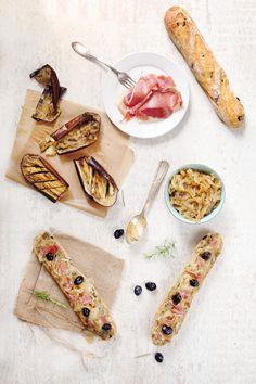 Tartines à la purée d'aubergines et fondue d'oignons