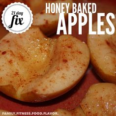 : Honey Baked Apples -- 21 Day Fix Healthy Dessert! Honey Baked Apples -- 21 Day Day Fixers: This recipe makes 2 servings. Each serving = a purple and 1 tsp. Honey Recipes, Healthy Recipes, Healthy Sweets, Apple Recipes, Healthy Snacks, Cooking Recipes, Baked Apples Healthy, Fruit Recipes, Dessert Healthy