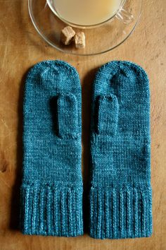 Laura's Loop: Classic Mittens - Knitting Crochet Sewing Crafts Patterns and Ideas! - the purl bee.