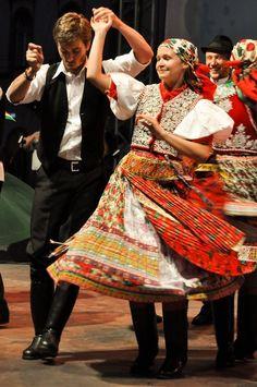 Hungarian folk costumes and dance Ukraine, Shall We Dance, Just Dance, Budapest, Folk Costume, Costumes, Hungarian Dance, Hungarian Embroidery, Folk Dance