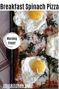 This breakfast spinach pizza, so easy to make and sure to be gobbled up by hungry food seekers, is quick, easy and a perfect way to eat your egg and pizza, too! #breakfastpizza #easybreakfast Breakfast Spinach, Breakfast Pizza, Best Breakfast, Breakfast Recipes, Dinner Recipes, My Favorite Food, Favorite Recipes, Spinach Pizza, Deep Dish