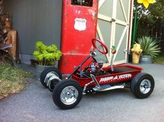 Gokart Plans 325174035572331284 - Powered Flyer Source by largentonm Custom Radio Flyer Wagon, Radio Flyer Wagons, Rat Rods, Mini Kart, Diy Go Kart, Little Red Wagon, Kids Ride On, Pedal Cars, Diy Décoration