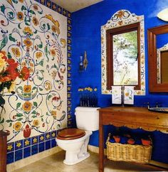 15 Eclectic Bathrooms with a Splash of Delightful Blue #mexican_rustic_decor