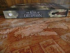 Livro - The Kiss of Deception
