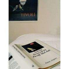 """""""#inbed  with a #damngood #book  #bookstagram #diogenes #astridrosenfeld"""""""