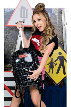 Larissa Manoela By Birô Divas, Maria Clara, Tween, Superstar, Shoulder Bag, Poses, Barbie, My Style, Outfits