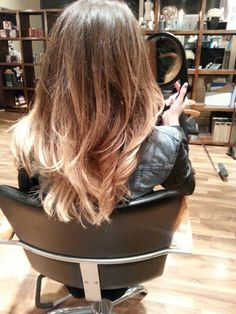 Natural ombre with a medium level base