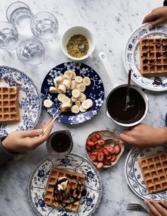 A breakfast of waffles earlier today with our favorite plates and toppings… Breakfast Party, Good Morning Breakfast, Breakfast Recipes, Breakfast Photography, Food Photography, Dessert, Breakfast Pictures, Slow Cooker Breakfast, Cheddar
