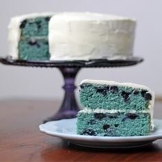 Blue berry...this looks like Boo Berry cereal....if it were a cake!!!YUMMY!!!