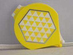 HTF Vintage Avon Art Deco Yellow Plastic Geometric Compact Unused Light Powder    eBay