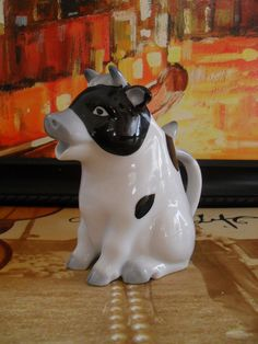 NEW LISTING - Vintage COW Creamer by AppleOTreasureFinds on Etsy, $16.00