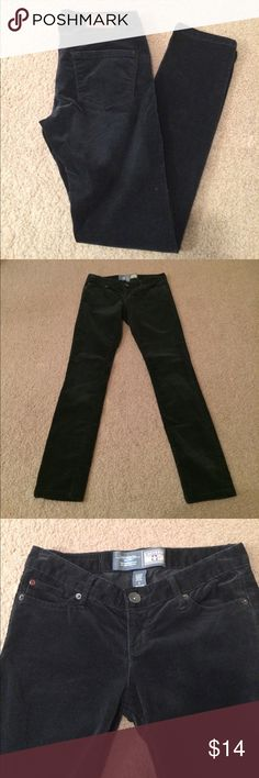 """$9 converse black skinny pants euc Euc! Have a soft velvety feel to them. ✔The price in the beginning of the title of my listings is the bundle price. These prices are valid through the """"make an offer"""" feature after you create a bundle. These bundle orders must be over $15. Ask me about more details if interested.  ❌No trades ❌No holds Converse Pants Skinny"""