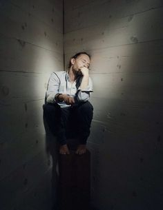 Thom Yorke Photo session - By Eliot Lee Hazel - LA, 2013-01-14