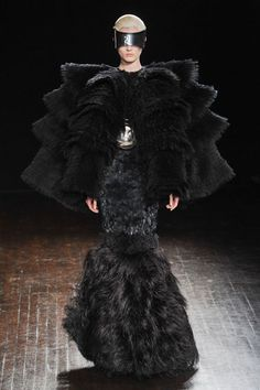 Sculptural Magnificence - dark fashion; extravangent 3D silhouette and a mix of textures // Alexander McQueen