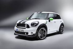 MINI Cooper SD Countryman ALL4 in Light White with MINI RAY Stripes in Alien Green (11/2012)